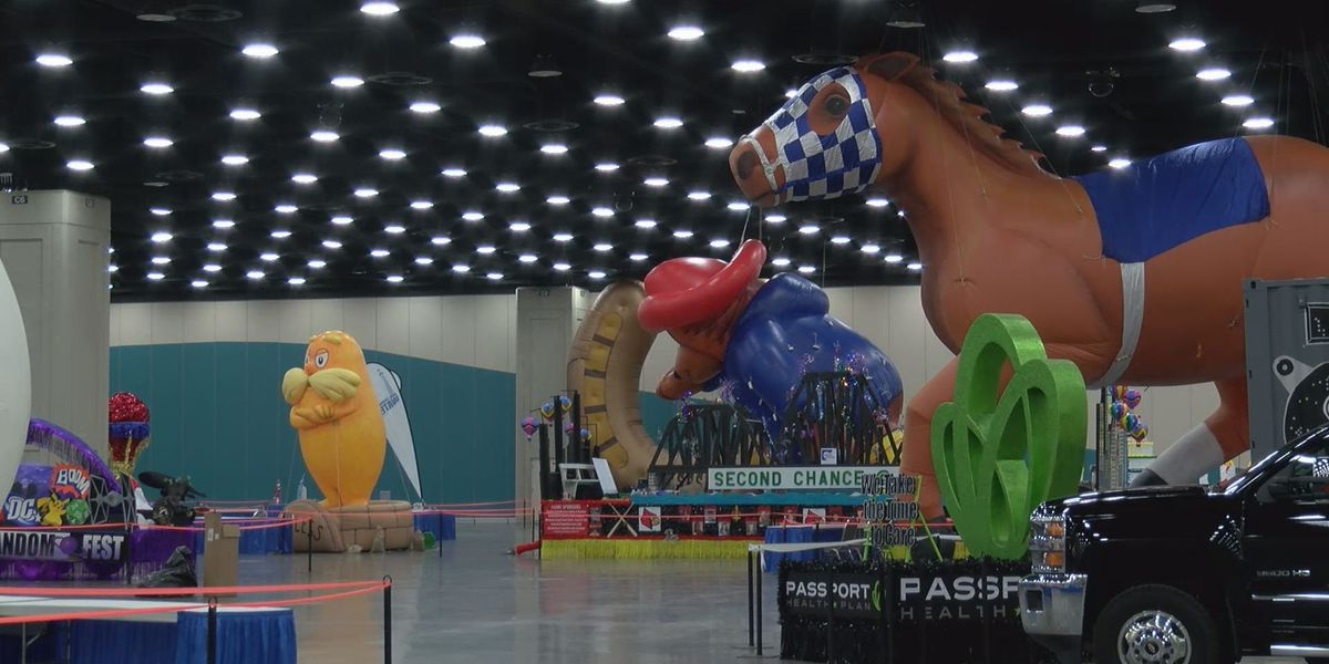 Fans get sneak peek of floats, inflatables during Pegasus Parade Preview Party