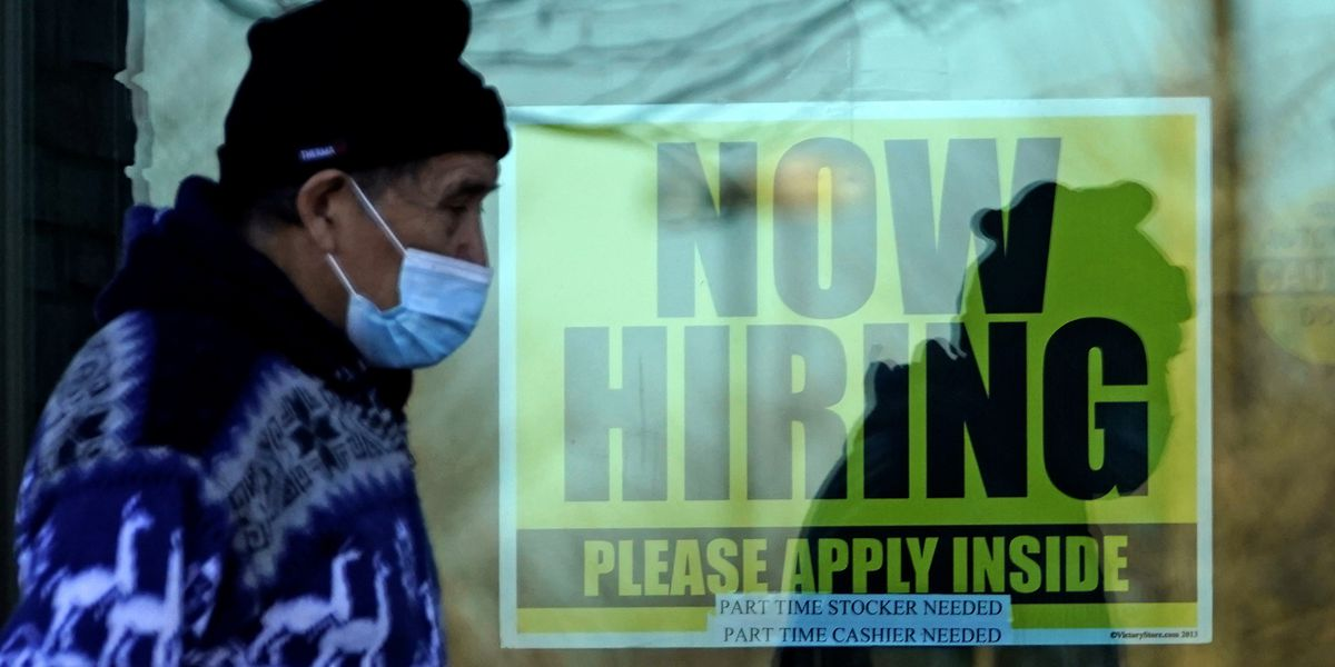 US jobless claims remain high at 712,000 as virus escalates